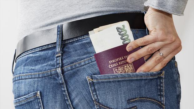 Půjčka na dovolenou - ilustrační foto