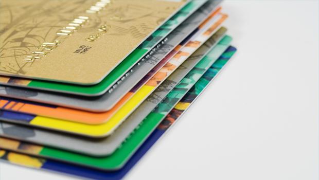Platební nebo kreditní karty- jejich bezpečné použití - ilustrační foto